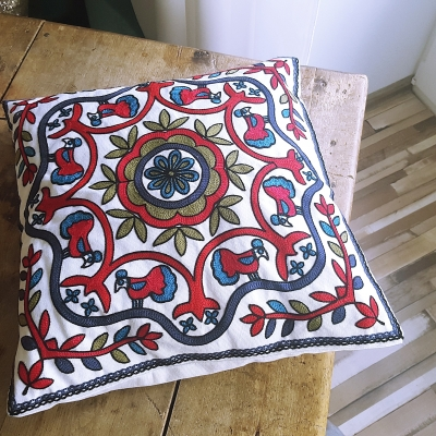 Red and navy decorative pillowcase